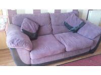 3 + 2 Seater Suite £200