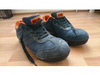 Scruffs safety shoes size 9