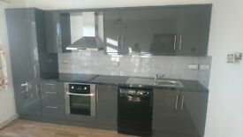 TWO BEDROOM FLAT in South fields near to tube station and local shops 1500 pm