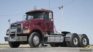2005 Mack GRANITE CV713 DAY CAB