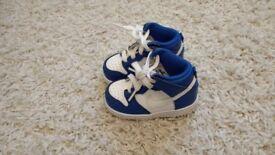 Infant Nike's size 5