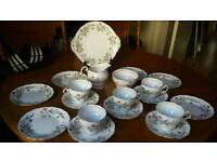 BEAUTIFUL VINTAGE FINE BONE CHINA TEA SET 20 PC