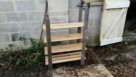 Iightweight shelving unit made from a ladder