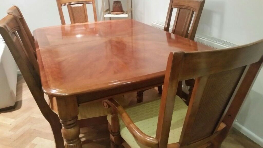 Set of Dining Table + 6 Chairs