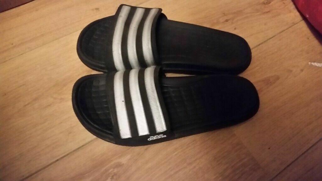dac0fc774277 Adidas flip flops - Size 8 - sandals sliders