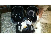 Maxi-Cosi Bundle (2no. Seats and 1no. Isofix)