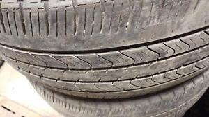 2 pneus d'été 215/55/17 Michelin Primacy MXV4, 60% d'usure, 4/32 de mesure.