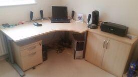 Computer desk & cabenets