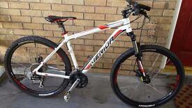 Merida mountain bike like new!! Px welcome