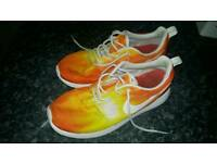 Nike Roche trainers size UK 5.5