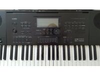 Electronic Keyboard, Romanian Music lessons for beginner and intermediate level.