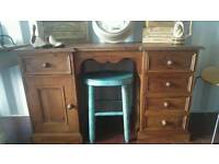 Desk dressing table pine solid quality piece immaculate