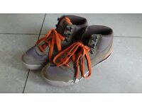 ***HI-TEC*** Men's Light Hiking Boot Size 9