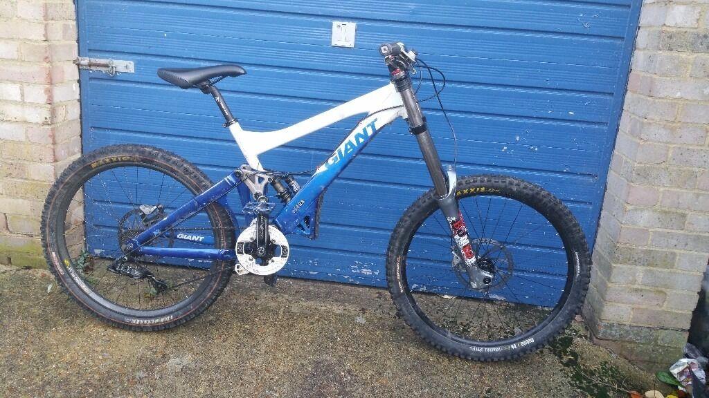 Medium/large frame Giant glory mountain bike good runner bike good working order bargain