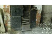 CAST IRON YORKSHIRE RANGE PERIOD FIREPLACE EARLY 1900'S £199.99