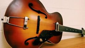 Gretsch New Yorker Archtop Guitar with Pickup Semi-gloss Vintage Sunburst.