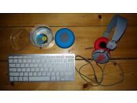 Speaker, earphones and keyboard for sale