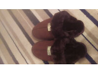 Uggs Slippers Chocolate NEW size 6 / 39 EUR