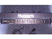 Numark MixDeck Universal DJ System - CD, USB and MIDI controller