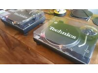 Technics 1210 MKII Decks