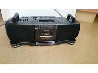 Boombox Sharp X-Bass Double cassette player