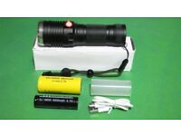 Outdoor Zoom Led Torch 1x 26650 1x 18650 Battery and Build in USB Charger