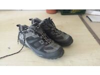 : Mens Cycling Shoes Size 9