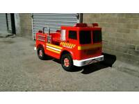 Kids 12v rechargeable sit on and drive fire engine
