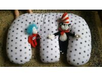 Breast feeding and support cushion for babies