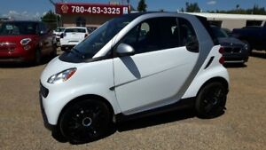 2014 smart fortwo Pure, Leather, Heated Seats.