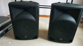 2 like new Active Speakers + standz