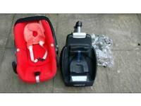 Maxi Cosi Pebble car seat and EasyBase