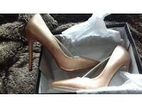 Ladies Rose Gold size 7 shoes