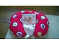 Widgey Baby 5 in 1 feeding / support pillow. Great condition, original packaging and instructions