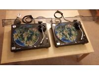 "2x Technics 1210 mk2 + Shure Whitelabel Cartridges + ""Sicmatz"" slipmats"