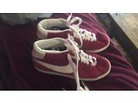 Size 7 Nike blazer