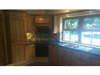 solid oak fitted kitchen harvard pippy oak + fridge freezer hob and fan