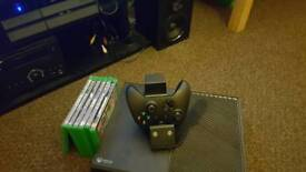 Xbox 1 1TB plus 6 games and rechargeable contoller
