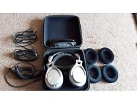 Shure SRH940 with case, spare cabels and ear pads !LIKE NEW!