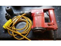 Hilti drill !found in shed when move to new house! 2 sepere atachment Can deliver or post!