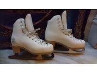 Ice Skates Size 3, 3 1/2