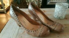 Leather shoes size 4