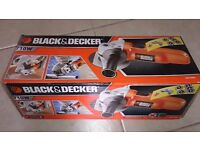 Black and Decker angle grinder with 5 Free discs