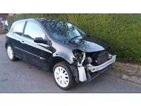 Accident Damaged 2010 Renault Clio