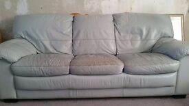 *FOR SALE * 3 SEATER, 2 SEATER & STORAGE STOOL