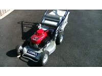 A COBRA TN2160SXAH-PRO PROFESSIONAL HONDA LAWNMOWER