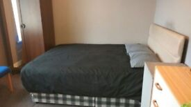 Fully furnished room to let in great Bradford BD15 location, includes all bills.