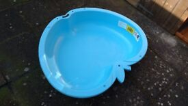 Kids plastic paddling pool/ dog pool
