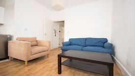 **TOP FLOOR 1 BED FLAT** FURNISHED!! PERIOD PROPERTY!! LAMINATE FLOORING!! ARCHWAY, HIGHGATE, N6!!