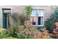 Charming 2 Bed Flat with large garden